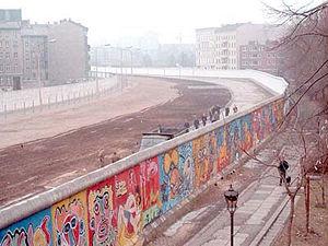 300px_Berlinermauer.jpg