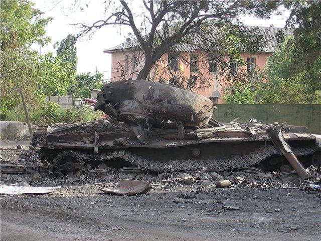 Burned Russian tank in Tskhinvali