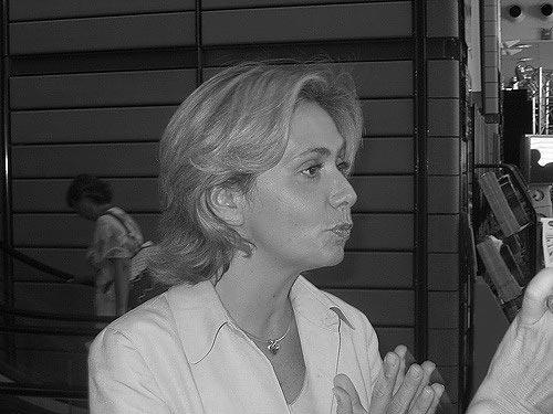 Bildungsministerin Pécresse muss mit den Anfeindungen durch die Streikenden umgehen.