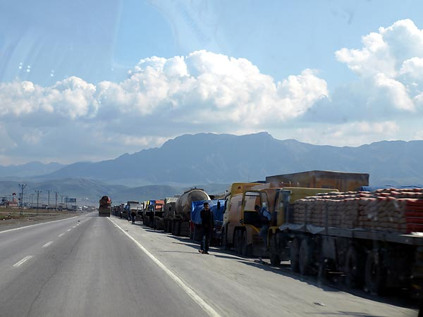 Trucks waiting near the Turkish-Iraqi border.