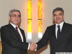 Der Armenische Präsident Sarkisian (links) und sein Türkischer Amtskollege Gül bei einem Treffen in Prag im Mai- CC