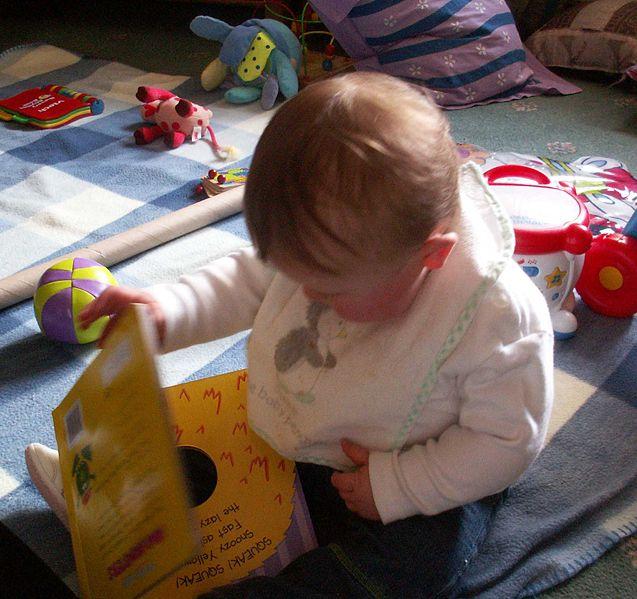Mehr und bessere Kleinkindbetreuung - dies fordert die Ministerin