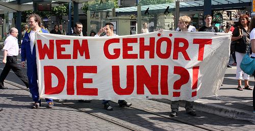 Den Studenten oder der Wirtschaft?