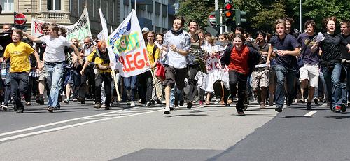 Auch Schüler protestieren