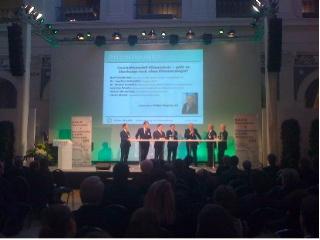 Podiumsdiskussion von Wirtschaftsvertretern auf der BAUM-Tagung.