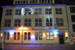"""Die Botschaft der Ukraine während des """"Berlin Festivals of Lights"""" 2012."""