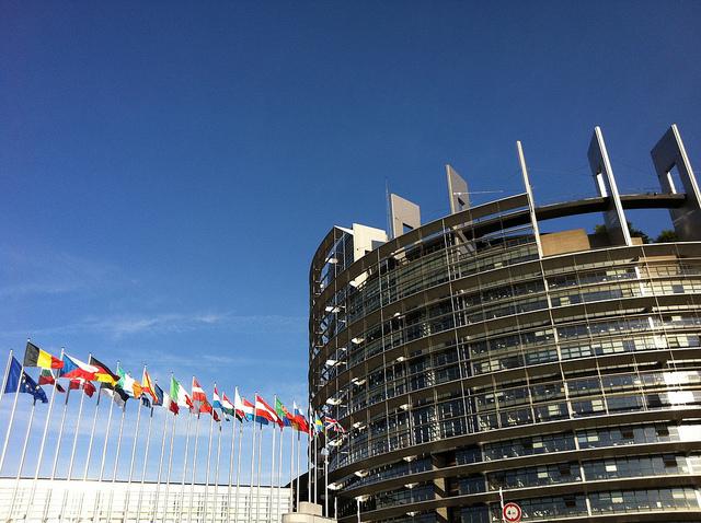 Das europäische Parlament in Brüssel – Hier werden die Budget-Entscheidungen der EU getroffen.