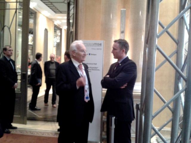Der frühere bayerische Ministerpräsident Edmund Stoiber (links) auf der 49. Münchner Sicherheitskonferenz