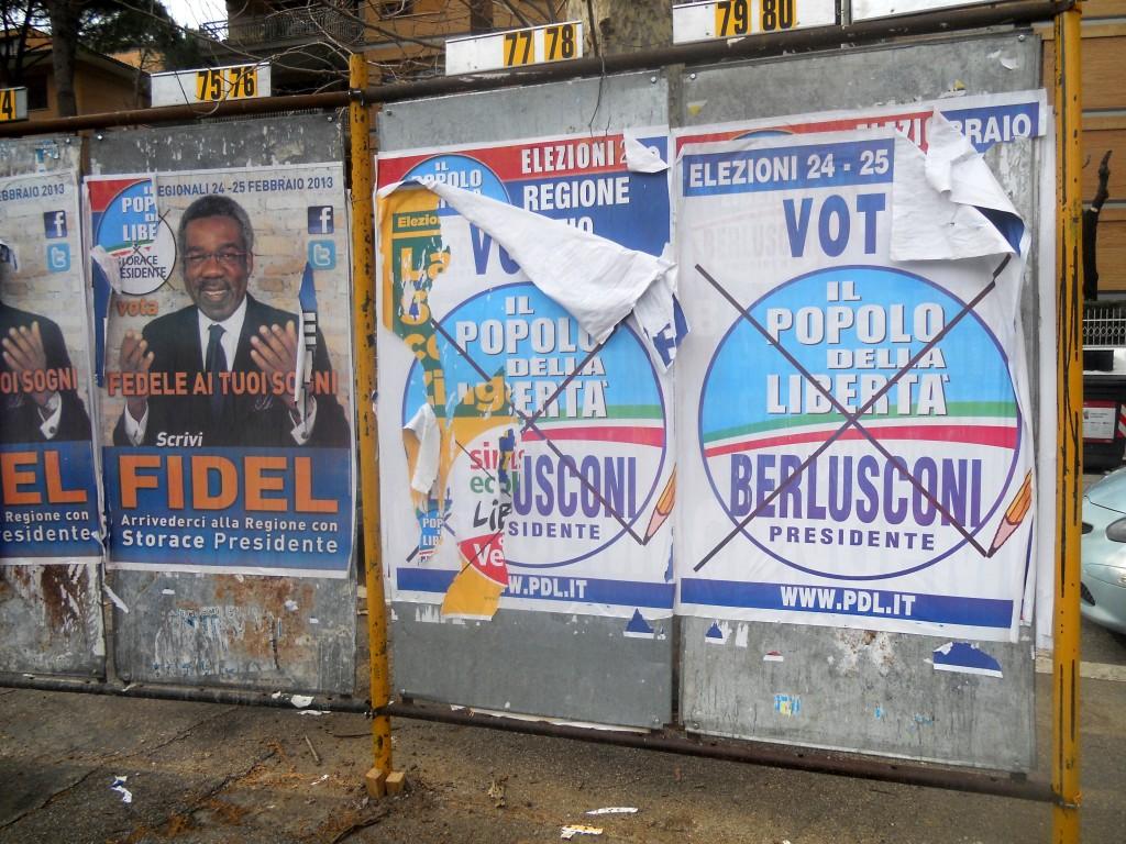 Wahlplakate gegen Silvio Berlusconi.