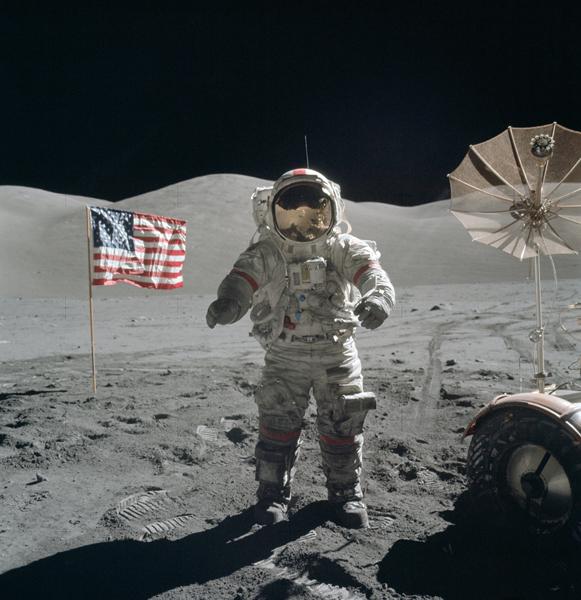 Eugene Cernan auf dem Mond.