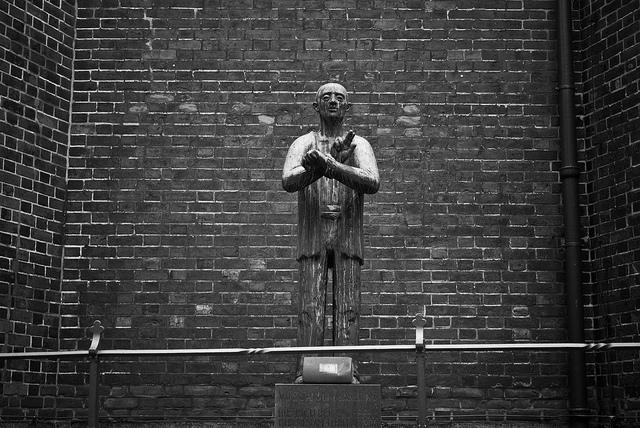 Das Hamburger Dietrich Bonhoffer Denkmal