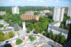 Blick vom 17. Stock eines Hochhauses im Falkenhagener Feld.