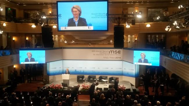 """Ursula von der Leyen: """"Deutschland ist stark in Europa, aber vor allem ist Deutschland stark durch Europa und durch die NATO""""."""