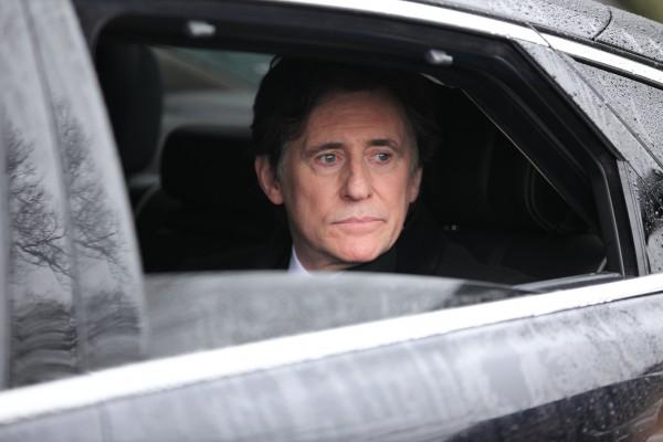 "Gabriel Byrne spielt den Politiker Tom Dawkins in der Mini-Serie ""Secret State""."