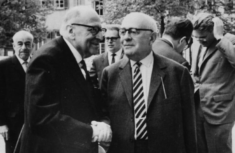 Die Philosophen Horkheimer und Adorno sind wichtiger Referenzpunkt in Klaues Arbeiten.