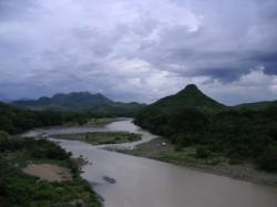 Der Goascoran Fluß an der Grenze zwischen den beiden Ländern