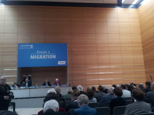 Forum Migration kritisiert Aussetzung des Rechts