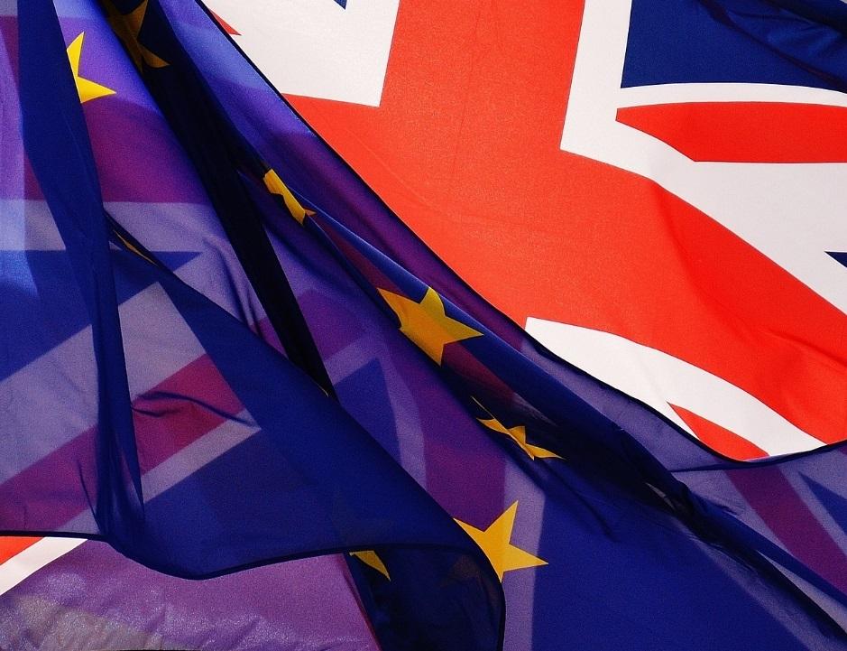 Brexit - Fahnen EU UK