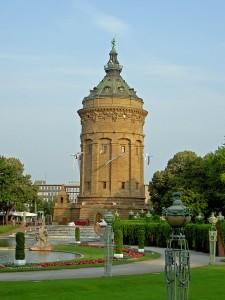 576px-Mannheim-Wasserturm-2005-06-26
